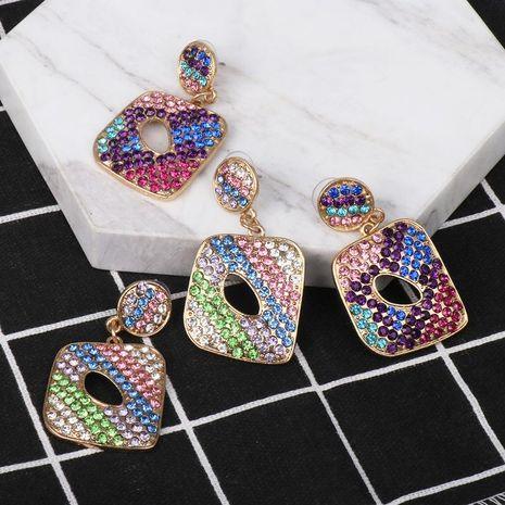 Pendientes calientes Pendientes geométricos creativos de moda caliente Pendientes de botón de diamantes femeninos NHJJ184695's discount tags