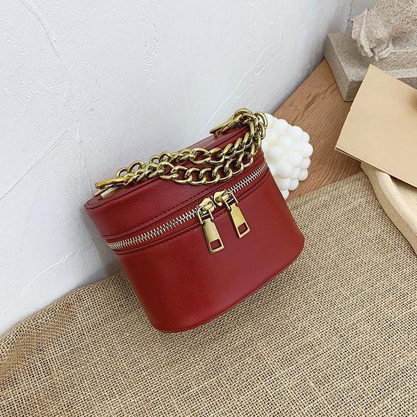 Retro black thick chain portable French bag new messenger single shoulder bucket bag women NHTC185224