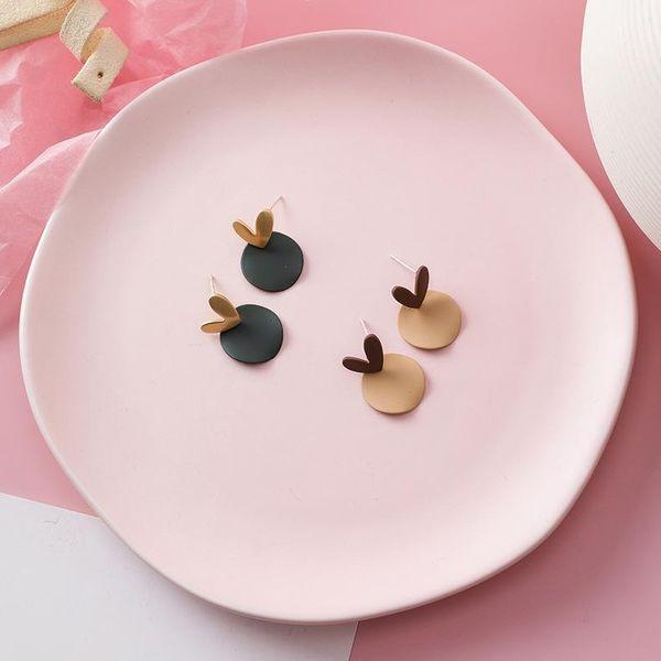 Pendientes de amor de temperamento coreano de plata 925 nuevos Pendientes geométricos pequeños de contraste dulce femenino NHMS185518