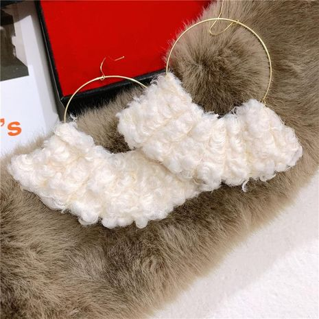 Autumn and winter boat-shaped plush super white plush earrings NHYQ185685's discount tags