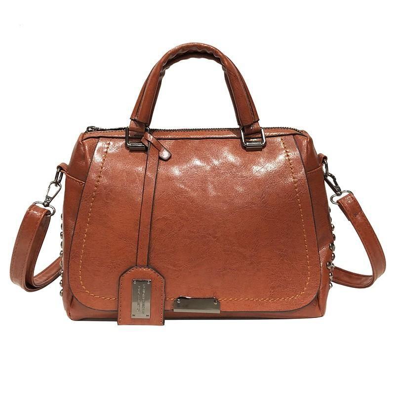 2019 new Korean version of the rivet oil skin Boston fashion large capacity shoulder bag shoulder bag XC190413117263