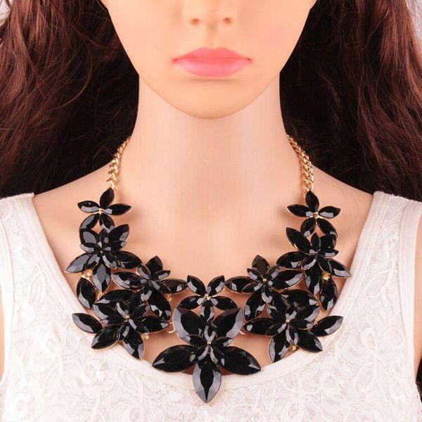 Womens geometric rhinestone alloy Necklaces JQ190416117451