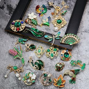 Female insects other Retro green Brooches OM190419118284's discount tags