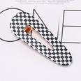 NHOF33596-Black-and-white-plaid-oval-hair-clip