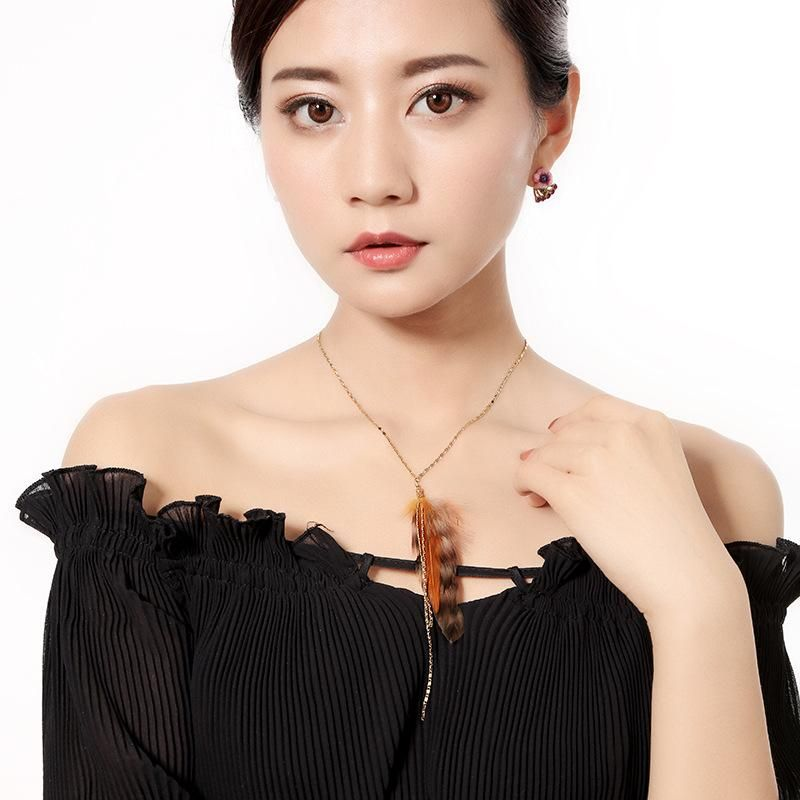 Womens featherstudded alloy Necklaces QD190430120040