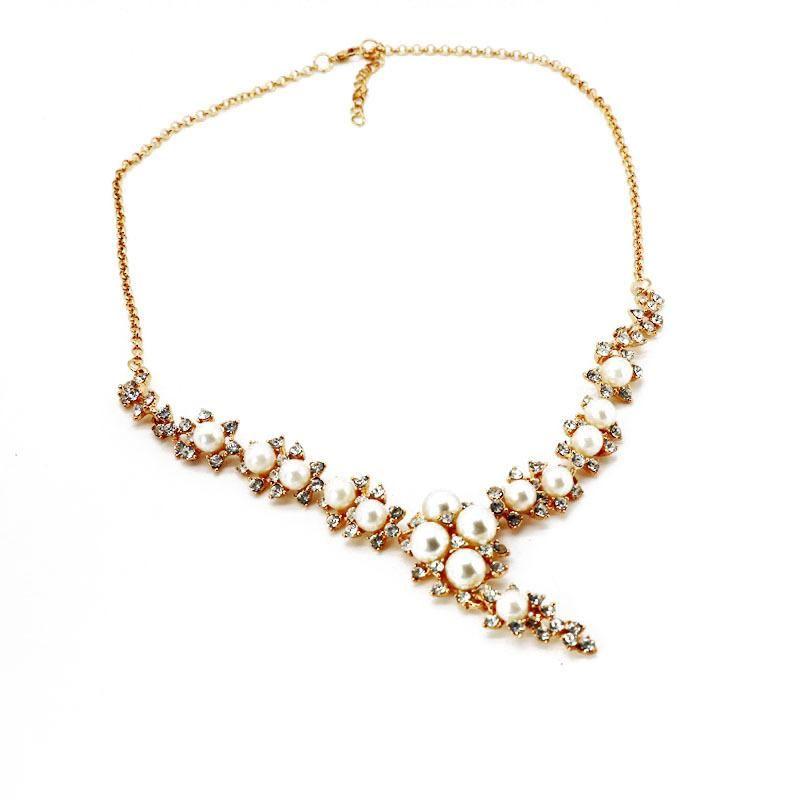 Womens Wild temperament Beads drill short Necklaces NHOM126560