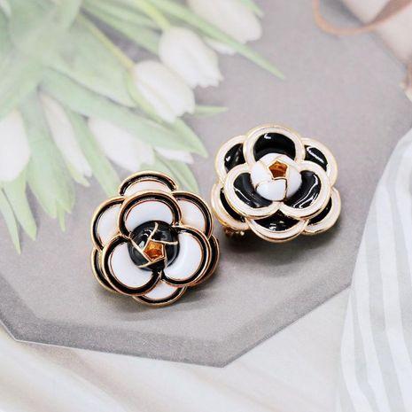 Verano exquisito goteo hecho a mano flores blancas y negras broche pequeño NHOM129417's discount tags