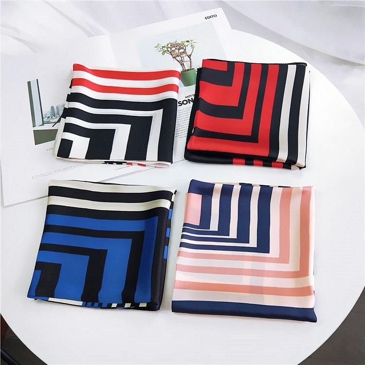 Back to the pattern of a variety of 70 silky small silk scarves NHMN135083