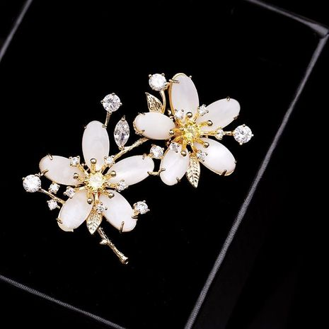Womens Leaf Copper Flower Brooches NHDO136818's discount tags