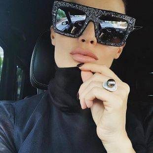 Fashionable rhinestone sunglasses for men and women NHFY131222's discount tags