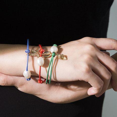 Aleaciones de galvanoplastia de geometría femenina Pulsos y brazaletes NHXR141681's discount tags