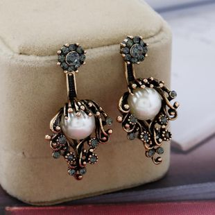 Pendientes de diamantes de imitación de flor de perla vintage de moda NHKQ142458's discount tags