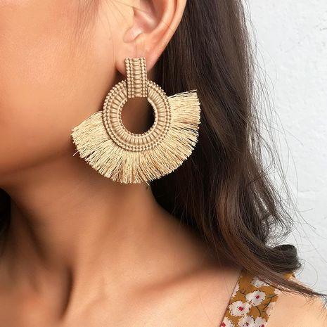 Boucles d'oreilles à pompon de mode européenne et américaine NHNZ143735's discount tags