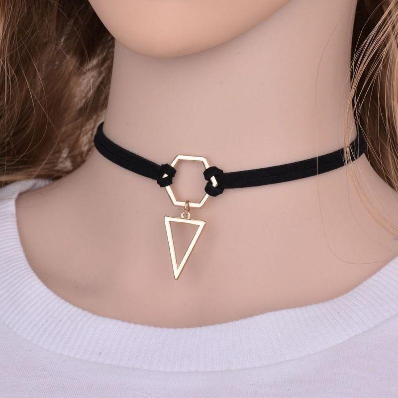 Simple geometric triangle pendant necklace NHBQ144462