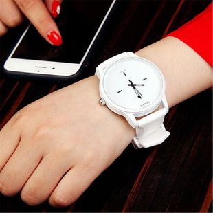 European and American simple black and white Korean couple big dial NHSY145986's discount tags