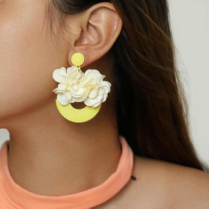 New yellow spray paint flower earrings NHPV146864