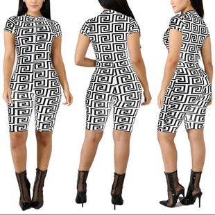 Europe and the United States sexy retro black and white printed zipper five points summer jumpsuit NHRF147437's discount tags
