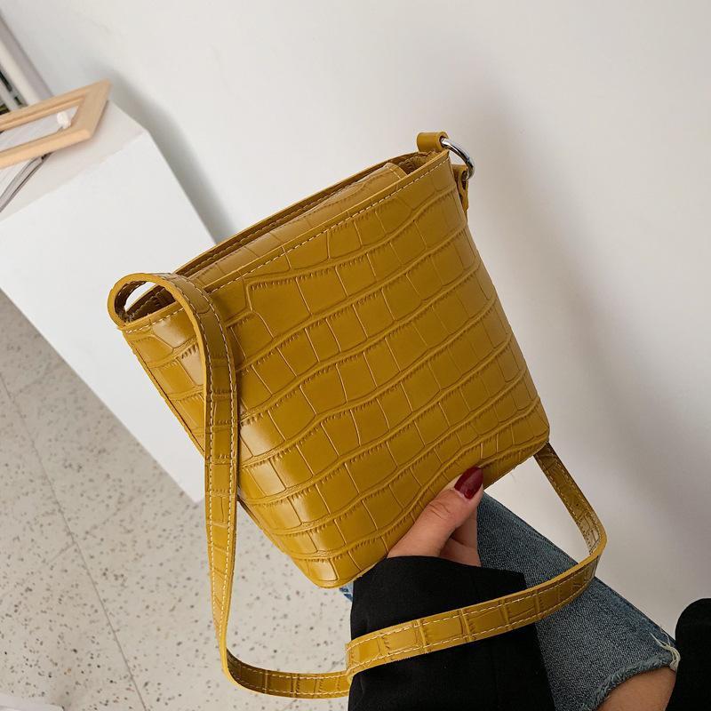 Retro wild simple crocodile pattern shoulder messenger bag NHPB148598