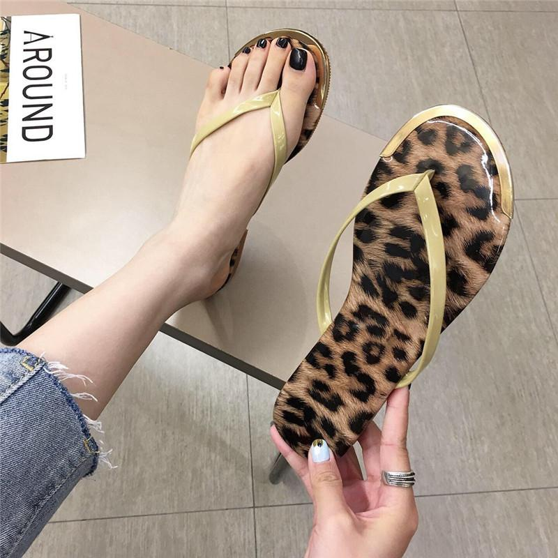 Chanclas planas de leopardo de nueva moda NHHU151809