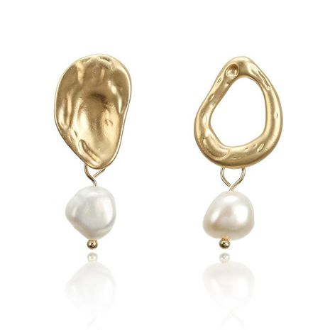 Mother-of-pearl asymmetric metal hollow earrings NHPF151906's discount tags