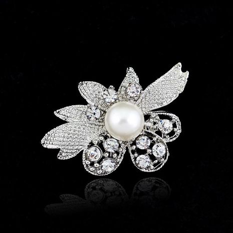 Stylish clear rhinestone flower brooch NHDR152156's discount tags