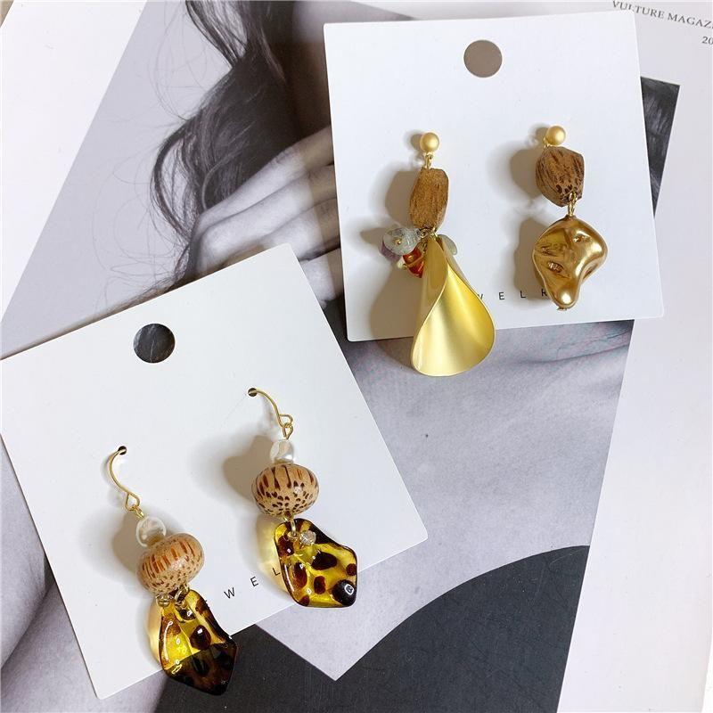 Bohemian beach style high quality solid wood asymmetrical earrings NHYQ152360