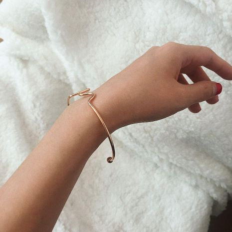 Simple single layer wavy geometric chain bracelet NHXR152405's discount tags