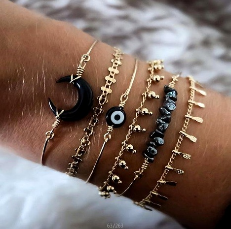 Horns Crushed Stone Bead Chain Eyes 6 Piece Bracelet NHGY152599's discount tags