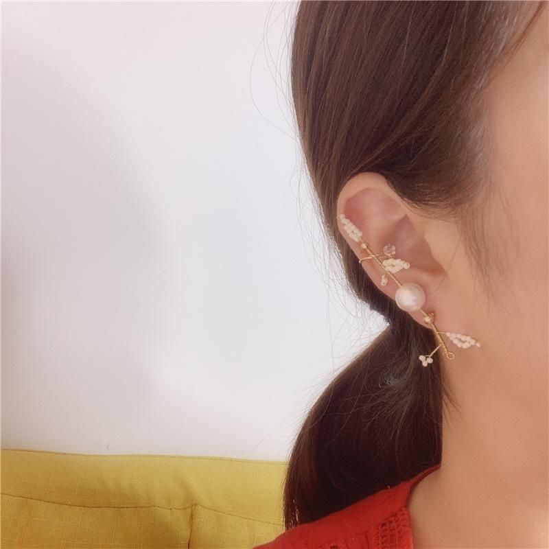Fashion sweet and sweet flower pearl hand earrings NHYQ153356