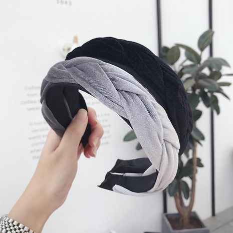 Korean version of gold velvet fabric twist braid wide-brimmed headband NHSM153523's discount tags