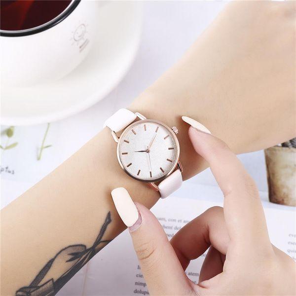 Reloj de cuarzo creativo Lady Flower en relieve NHHK153751
