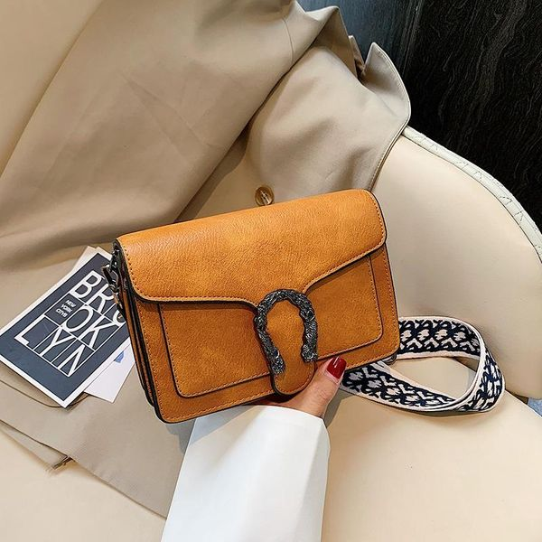 Fashion flip solid color diagonal small square bag NHPB154126