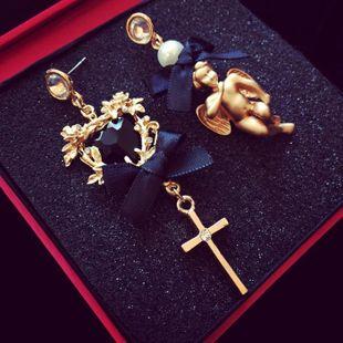 Ángel de lazo de encaje de estilo barroco con pendientes de perlas asimétricas de diamantes NHNT154629's discount tags