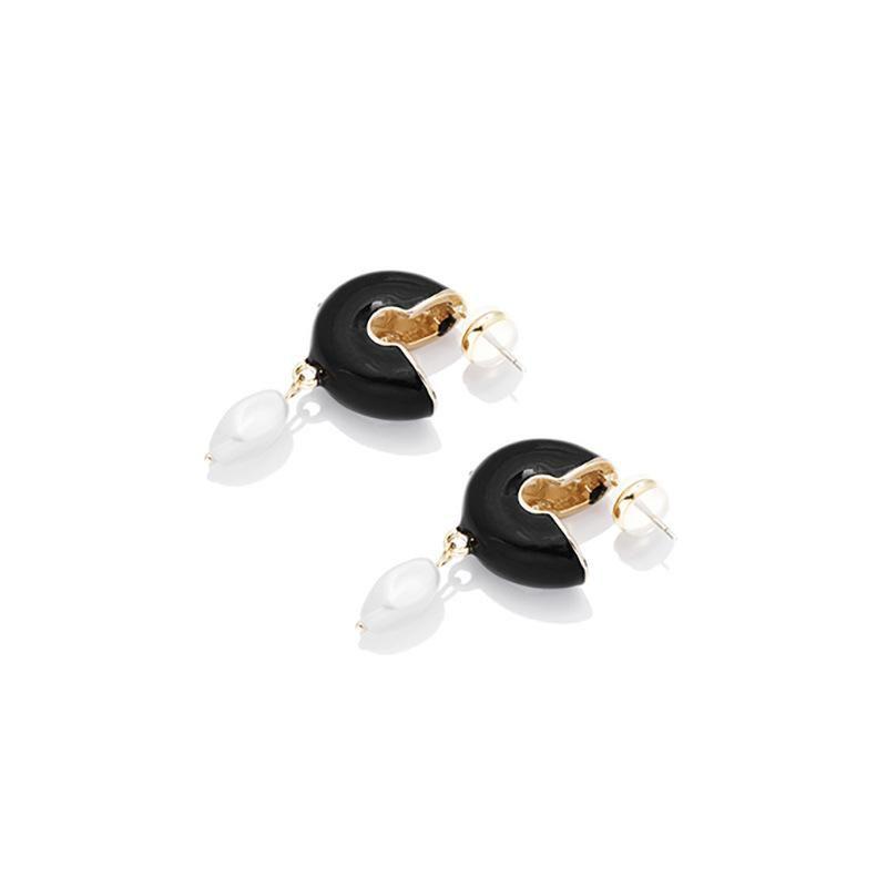Simple metal geometric pearl Ctype oil drop alloy hoop earrings NHLL154709