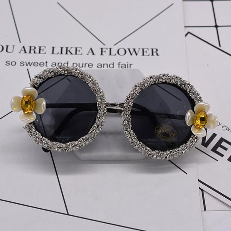 Europe and America inlaid colored diamond chrysanthemum crystal sunglasses NHNT154983's discount tags