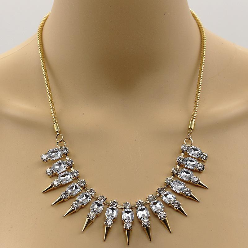 Fashion punk rhinestone gemstone rivet spiked alloy necklace NHDP149182