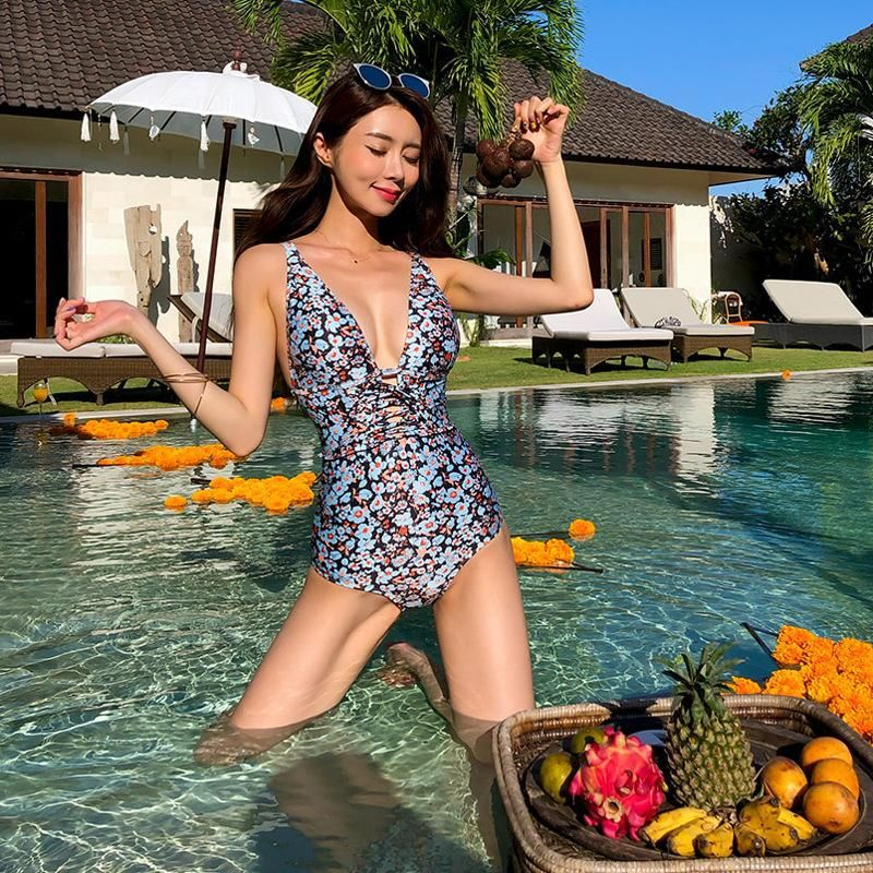 Printed small chest gathered slim conservative swimsuit NHHL149664