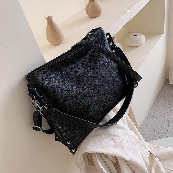 Retro big bag women autumn and winter new fashion messenger bag large capacity tide Korean rivet shoulder tote bag NHLD193986