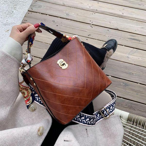 Bolso de mujer nuevo otoño e invierno bolsa de hombro bolsa de mensajero hombro coreano simple marea casual correa de seda ancho de banda de hombro NHLD193987