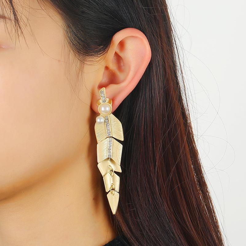 Plant fringed earrings new temperament simple frosted leaf acrylic earrings NHKQ194145