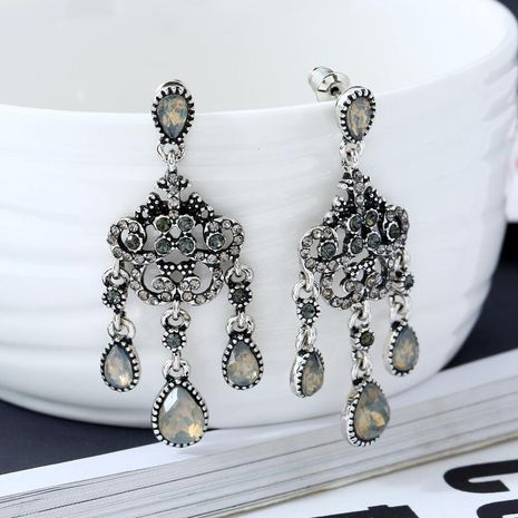 Vintage Water Drop Crystal Rhinestone Stud Earrings Earrings Wholesale NHKQ194208's discount tags