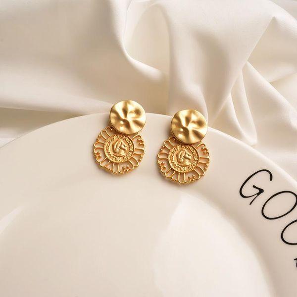 European and American metal earrings  personality hollow earrings high sense golden circle niche ear pins cold wind earring NHWF194218