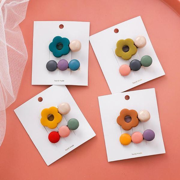 Color wood round piece small flower hair clip 2-piece set sweet cute candy color edge clip women NHMS194266