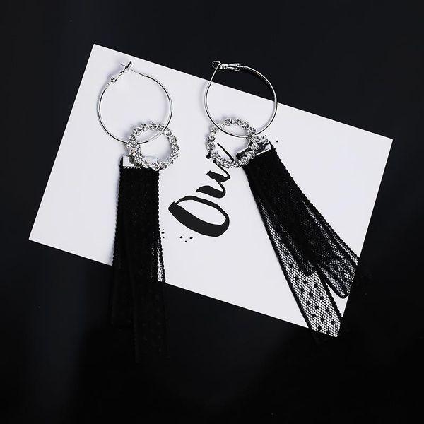 Aretes de diseño de círculo grande y diamantes de encaje blanco y negro dulce NHMS194278