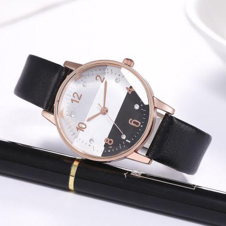 Nuevas señoras tricolor esfera prisma vidrio escala digital reloj de cuarzo correa reloj mujer NHHK191841's discount tags