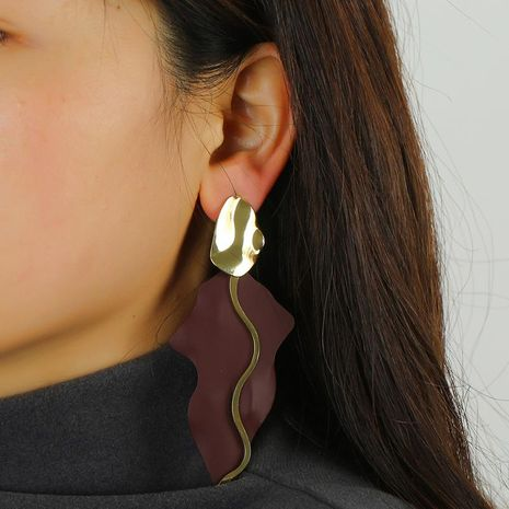 Zinc alloy spray earrings exaggerated retro court earrings ears wholesale NHKQ192356's discount tags