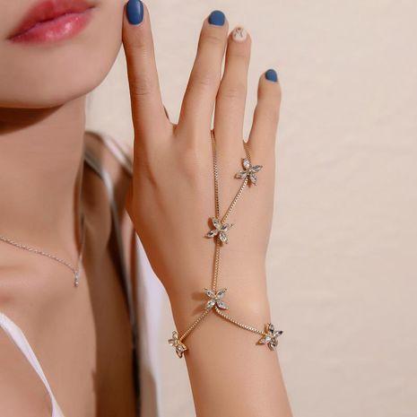 Bracelet coréen doux oeil de cheval zircon doigt bracelet femme quatre feuilles fleur bracelet NHDP192612's discount tags