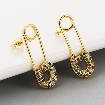 Aretes de moda creativos pin largo damas cobre 18K con incrustaciones de oro con aretes de circón de colores NHLN193240