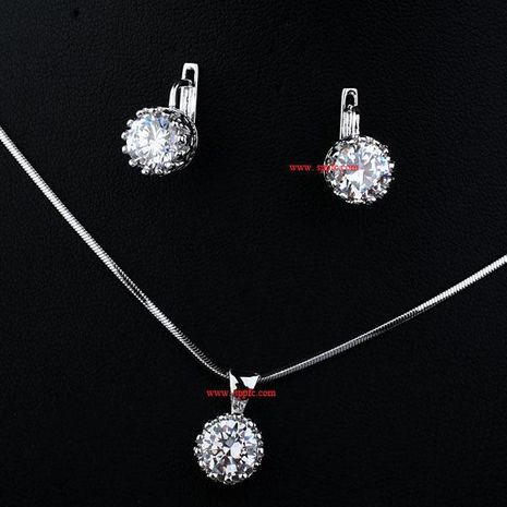 Ensemble de combinaison de zircon brillant collier simple boucle d'oreille bijoux en deux pièces en gros NHLJ193334's discount tags