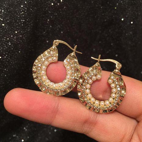 Lentejuelas de metal creativas con incrustaciones de aretes de aro de perlas NHWK193426's discount tags